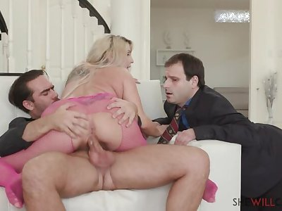Christie  s Hubby got Cuckolded in an Instant