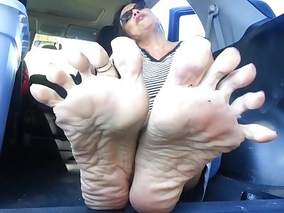 Smelly Mature Trotters