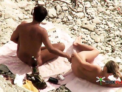 Basic beach blowjob voyeur style