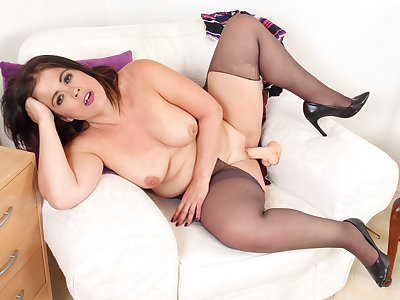 Curvy coupled with Spanish milf Montse Swinger dildos enthusiasm cunt