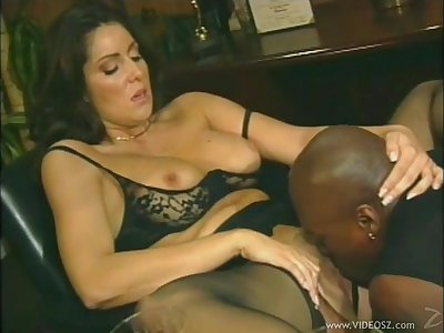Incomparable porn sweetheart Tasha Hunter gets banged with a hot cumshot