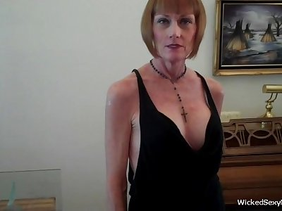 Wicked Sexy Melanie is a major league amateur slut granny in this homemade sex jeopardize