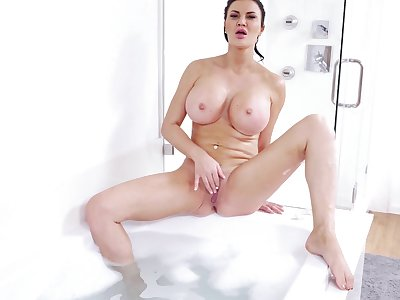 Sexy solos from scrumptious tarts Brooklyn Chase, Danica Dillon and more