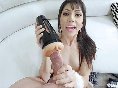 MILf uses fleshlight before no matter how her mouth beyond eradicate affect fleshly
