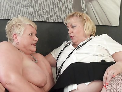 Dirty mature sluts Juicy Ginger and Lexie Cummings have lesbian intercourse